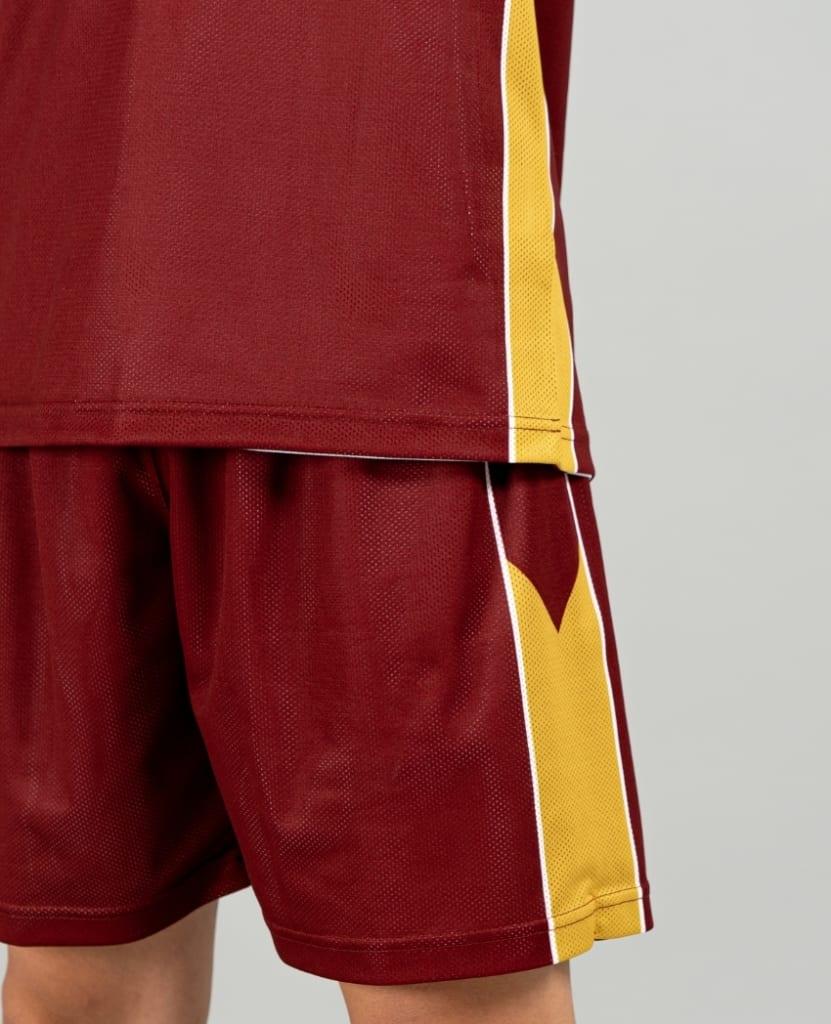 バスケットボール用リバーシブルウェア画像 背面・モデル トレスバスケットボール