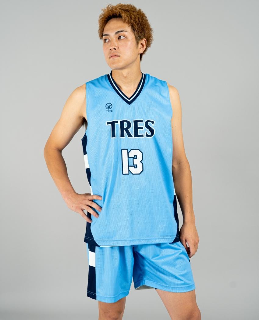 バスケットボール用リバーシブルウェア画像 正面・男性モデル トレスバスケットボール