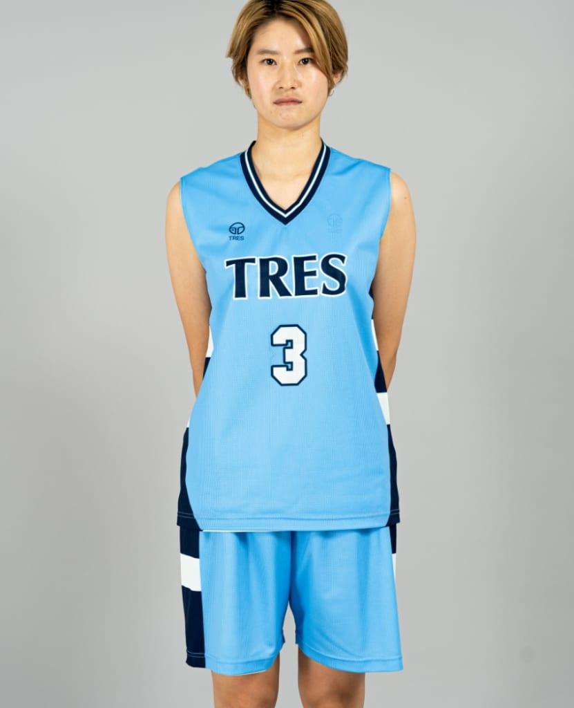 バスケットボール用リバーシブルウェア画像 正面・女性モデル トレスバスケットボール