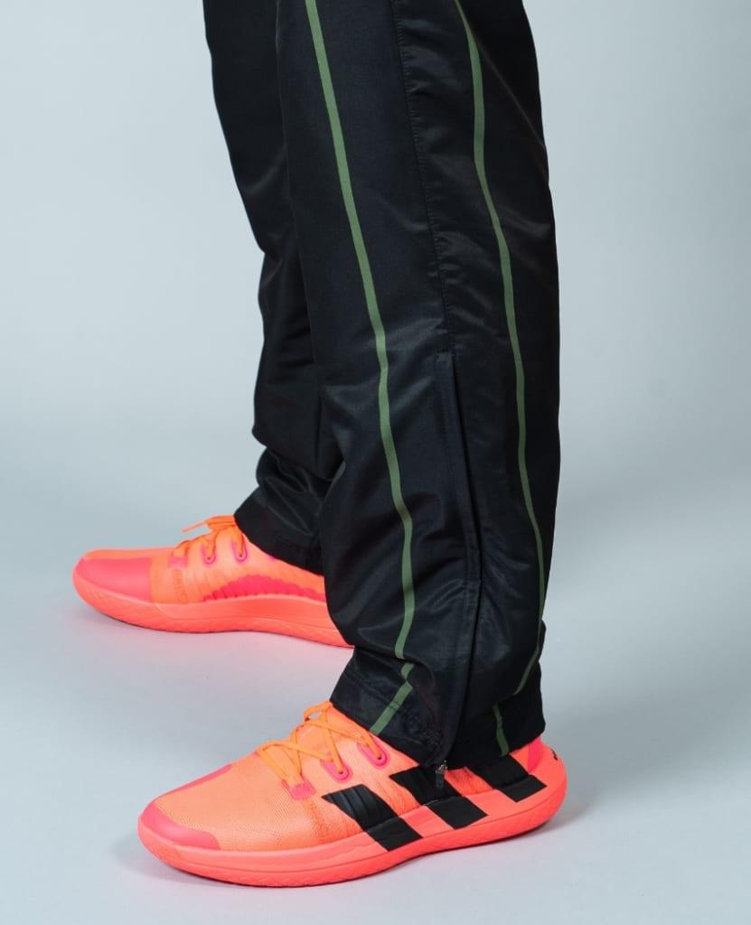 バレーボール用ウィンドブレーカー パンツ画像 側面・男性モデル|トレスバレーボール