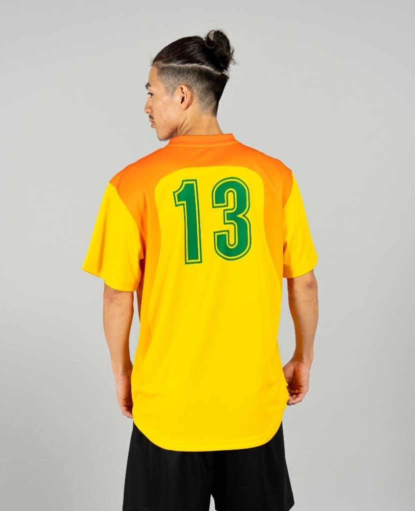 バスケットボール用シューティングシャツ画像 背面・男性モデル トレスバスケットボール
