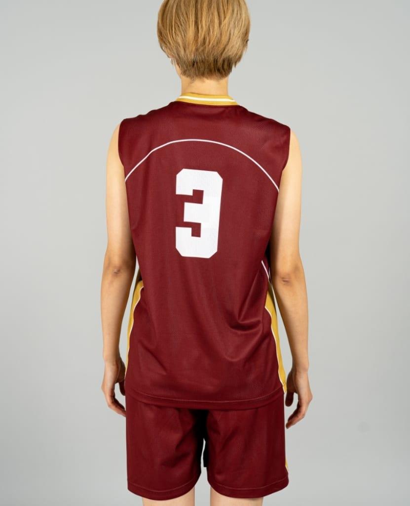 バスケットボール用リバーシブルウェア画像 背面・女性モデル トレスバスケットボール