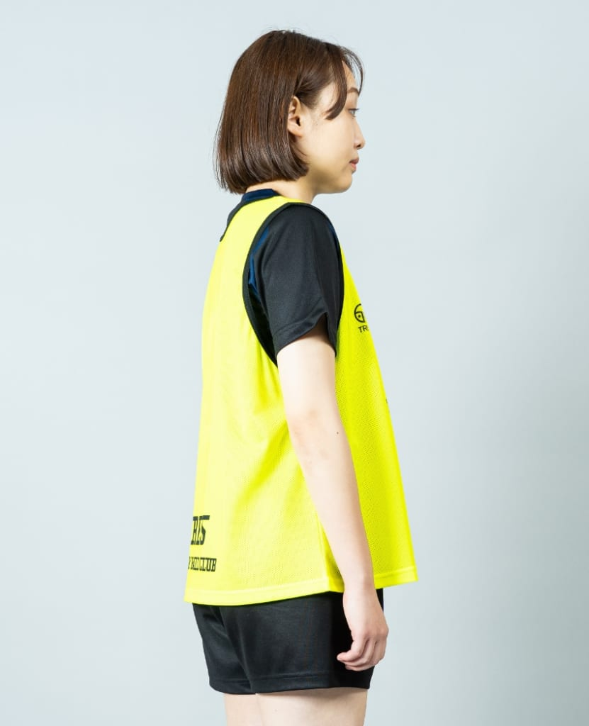 バレーボール用オリジナルビブス画像 側面・女性モデル|トレスバレーボール