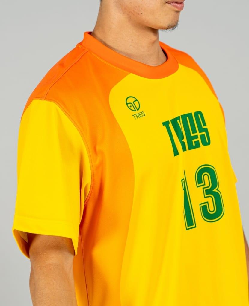 バスケットボール用シューティングシャツ画像 側面・男性モデル トレスバスケットボール