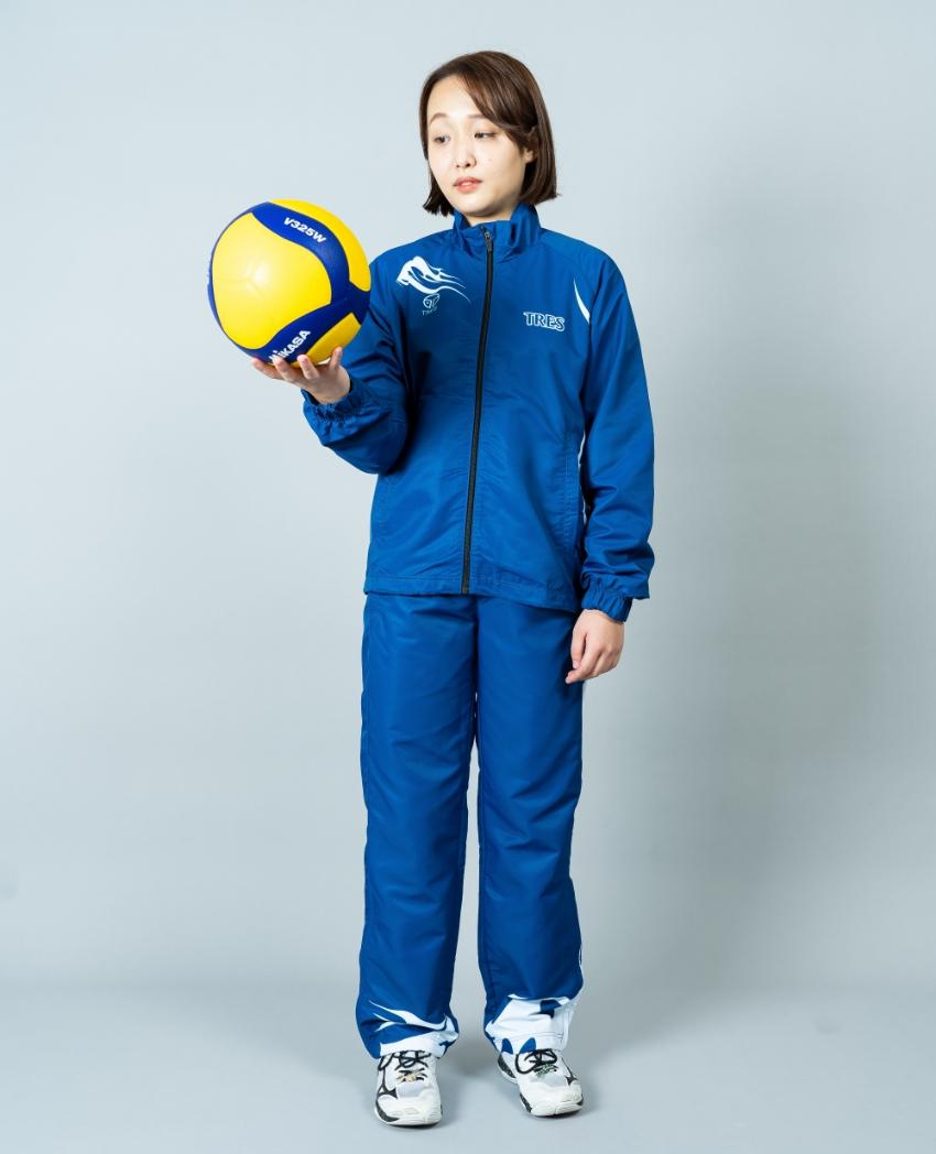 バレーボール用ウィンドブレーカー画像 正面・女性モデル|トレスバレーボール