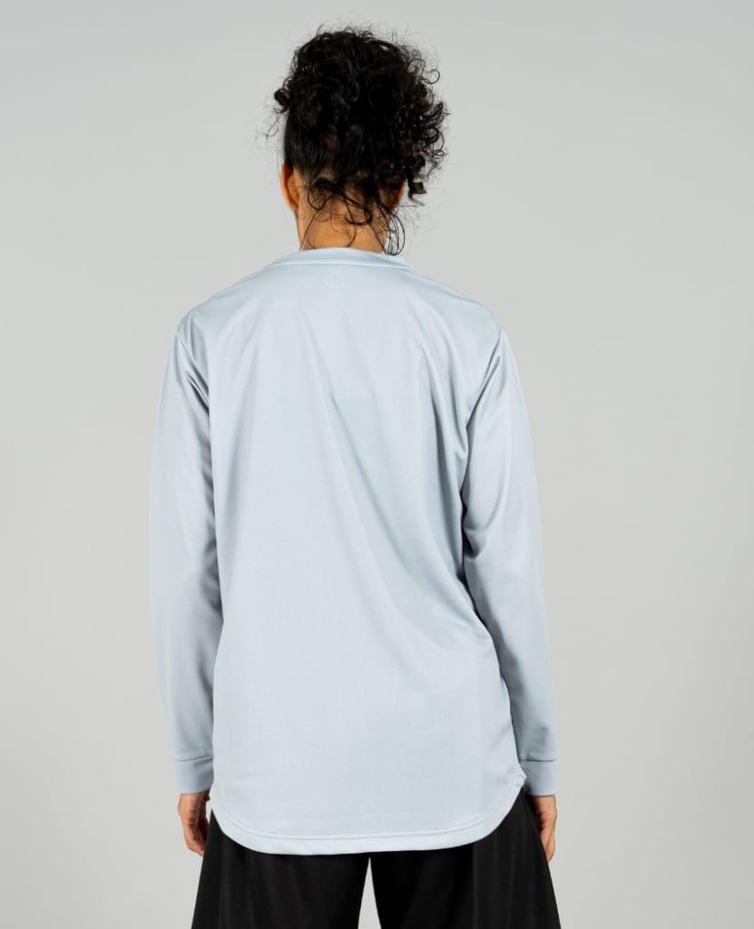 バスケットボール用イージードライシャツ ロンT画像 背面・女性モデル|トレスバスケットボール
